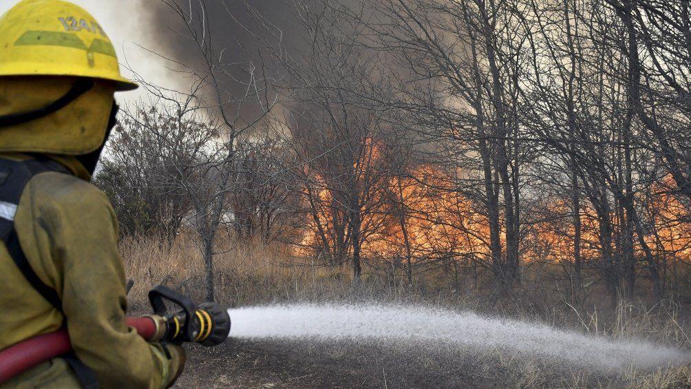 Continúan los incendios forestales en seis provincias