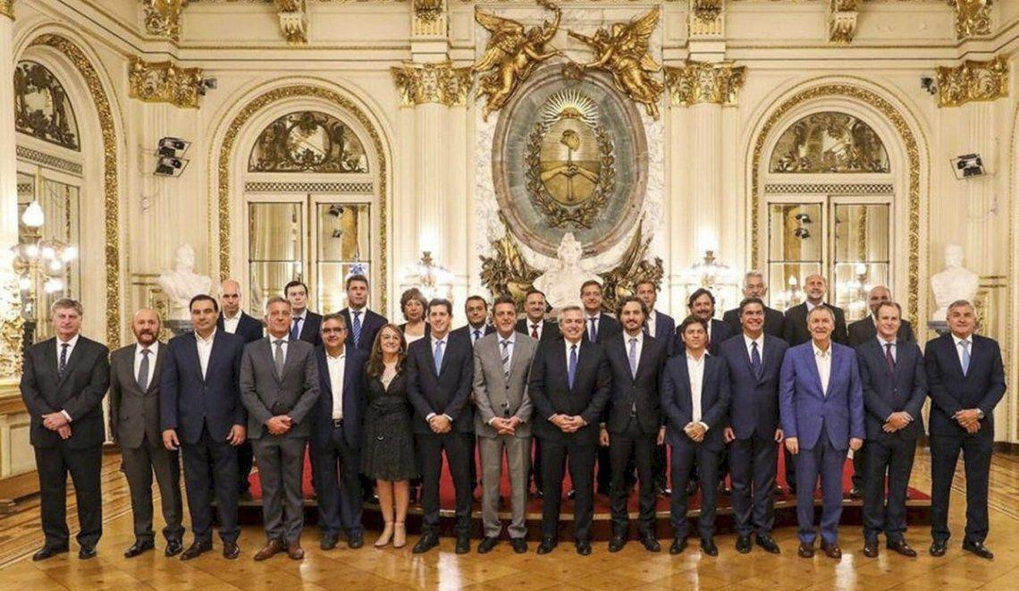 Fernández destacó el histórico apoyo de todos los gobernadores