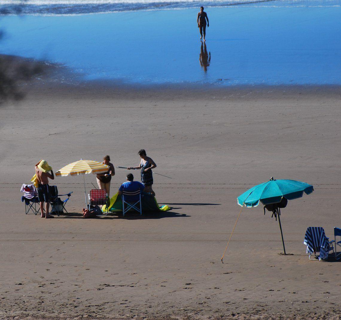 Las vacaciones en la playa serán diferentes para evitar contagios de Covid.