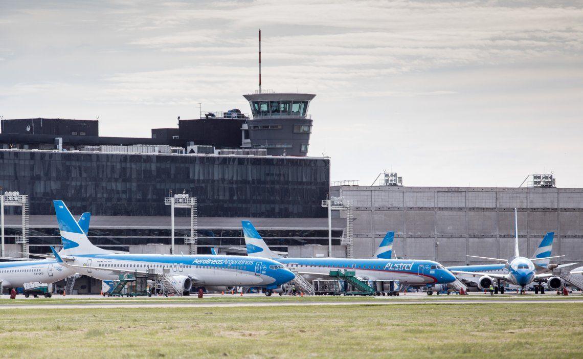 Una vez que el Ministerio de Transporte establezca las medidas de prevención, regresarán los vuelos regulares.