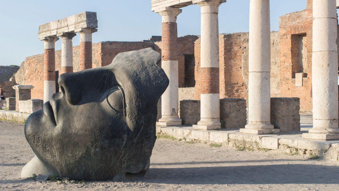 Turista devuelve objetos que robó de Pompeya tras sufrir una maldición durante 15 años
