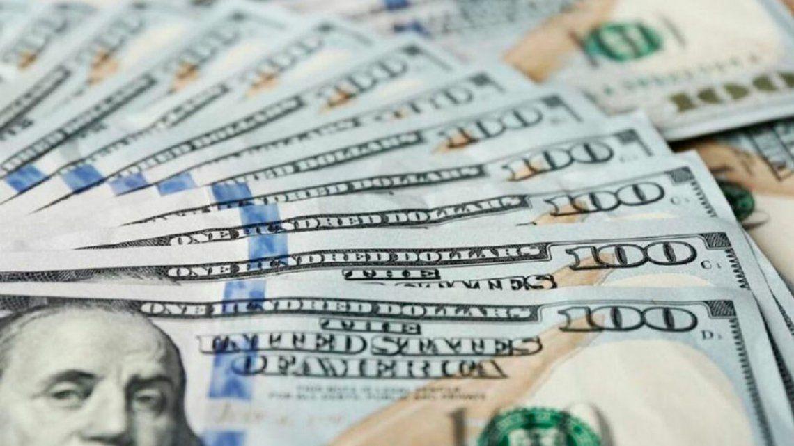 El dólar blue bajó a $166 pero subieron en oficial y el contado con liqui