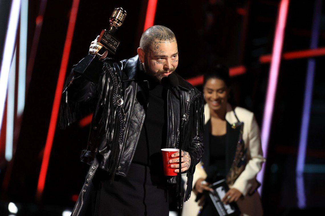 Post Malone arrasó en los premios Billboard