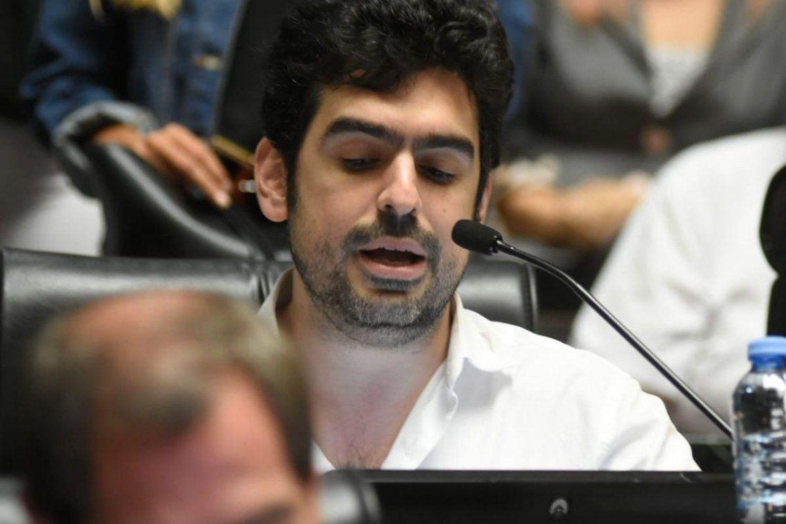 El legislador porteño Juan Manuel Valdés (Frente de Todos) manifestó su apoyo a los familiares de las víctimas del incendio del depósito Iron Mountain