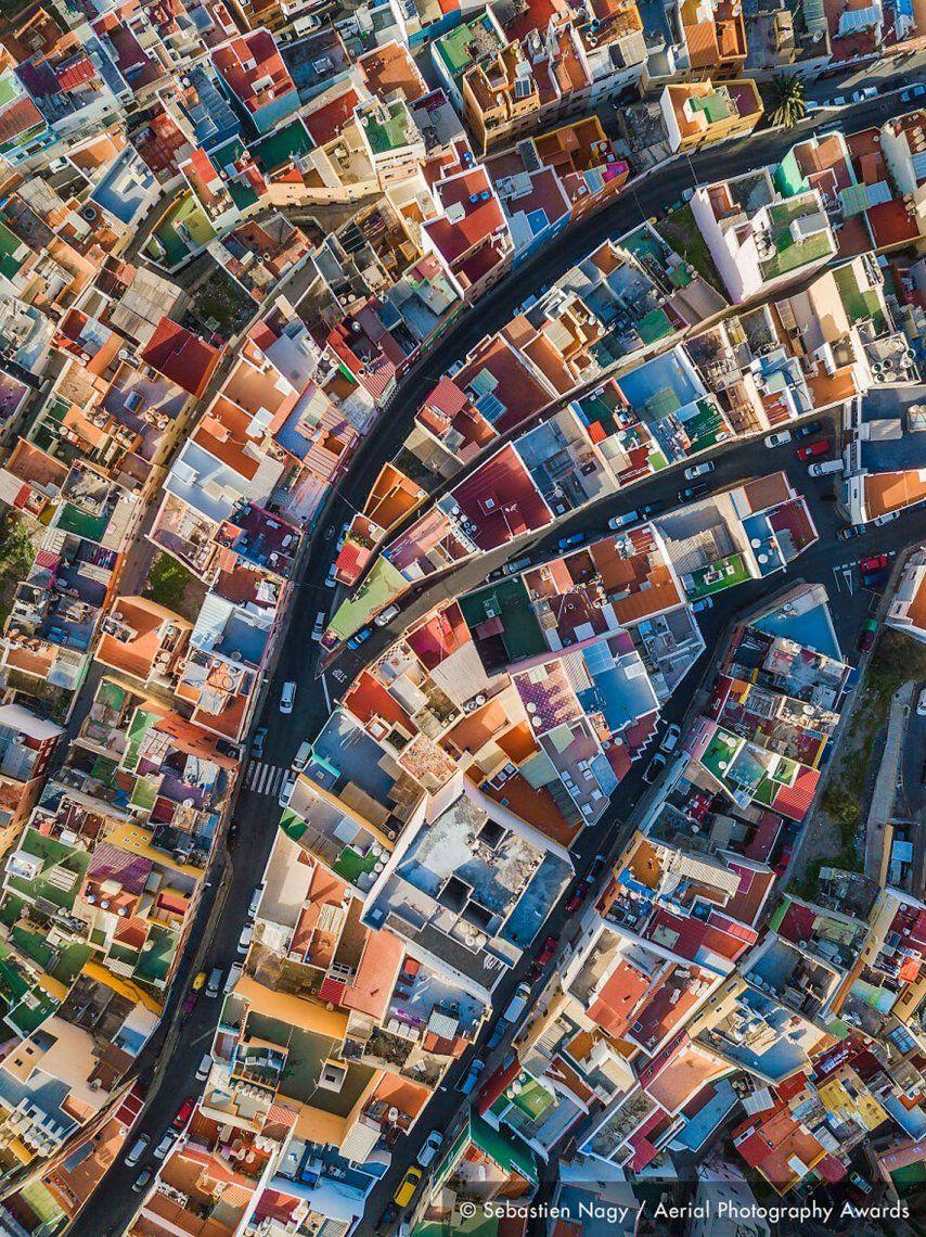Primer puesto en la categoría Paisajes urbanos: Arco iris español