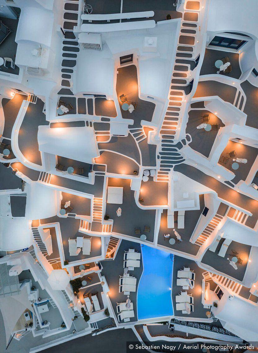 Primer lugar en la categoría de arquitectura: Grecia abstracta