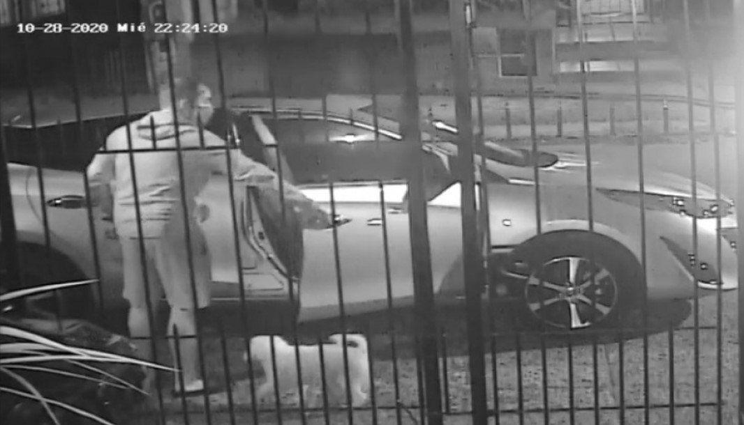 Video | Un hombre fue baleado por motochorros que intentaron robarle el auto en Bernal
