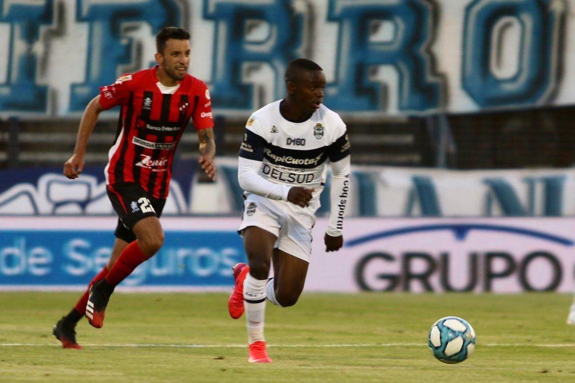 Copa Liga Profesional | El mejor regalo para el Diez: Gimnasia de La Plata goleó a Patronato por 3-0