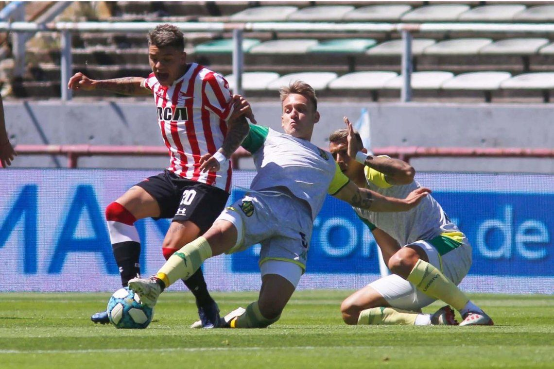 Copa de la Liga Profesional   Sin puntería: Estudiantes y Aldosivi empataron sin goles en Mar del Plata