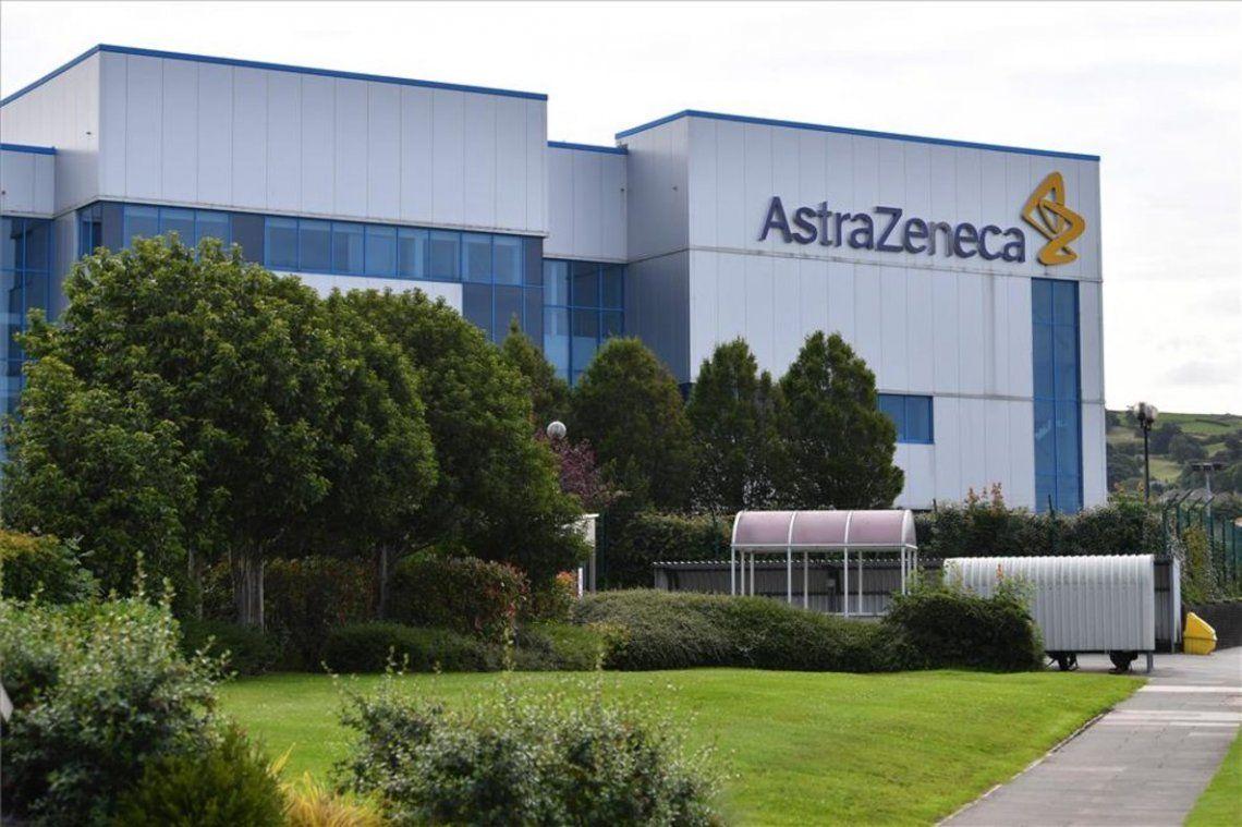 La Comisión Europea denunció a AstraZenecapor incumplir los términos del contrato firmado.