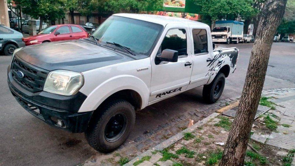 La Plata - Un funcionario judicial y un policía fueron detenidos acusados de circular en una camioneta robada