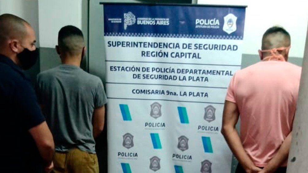 La Plata -Detuvieron a un policía y a un funcionario judicial por circular en una camioneta robada y con armas no declaradas