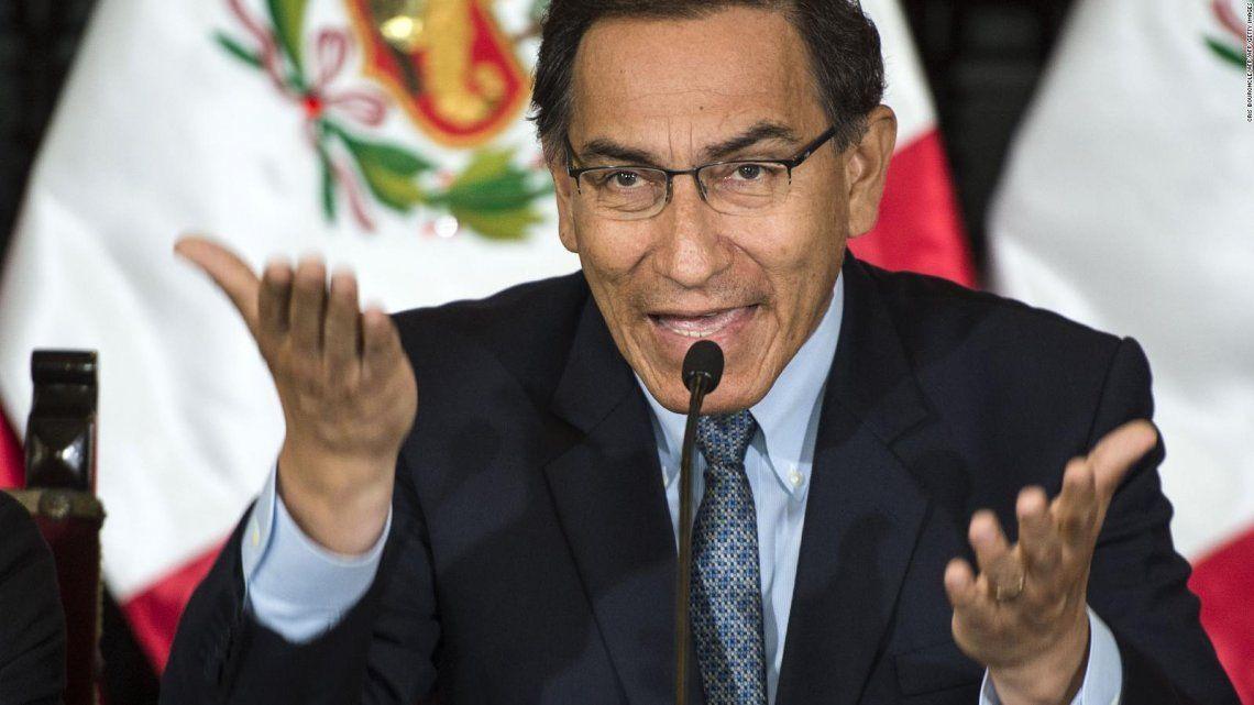 Martín Vizcarra, el presidente destituido por el Congreso peruano.