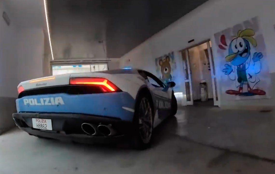 Policía de Italia usó un Lamborghini para transportar un riñón