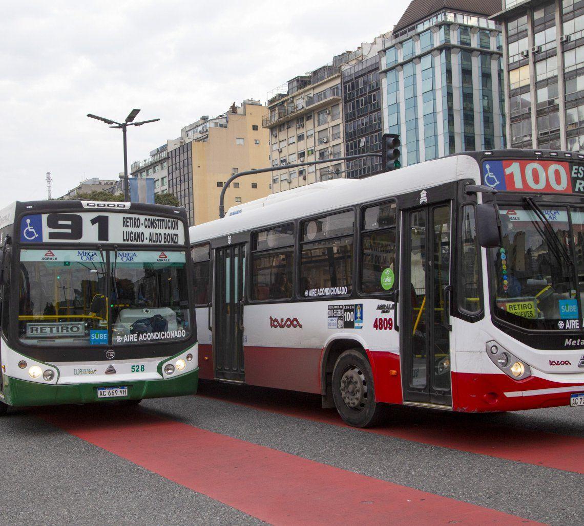 Colectivos podrán aumentar la cantidad de pasajeros parados.
