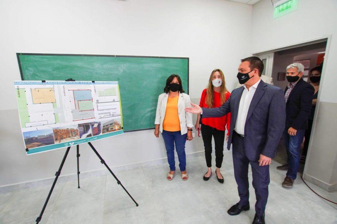 Watson inauguró aulas en la EEP 50 de Villa Hudson