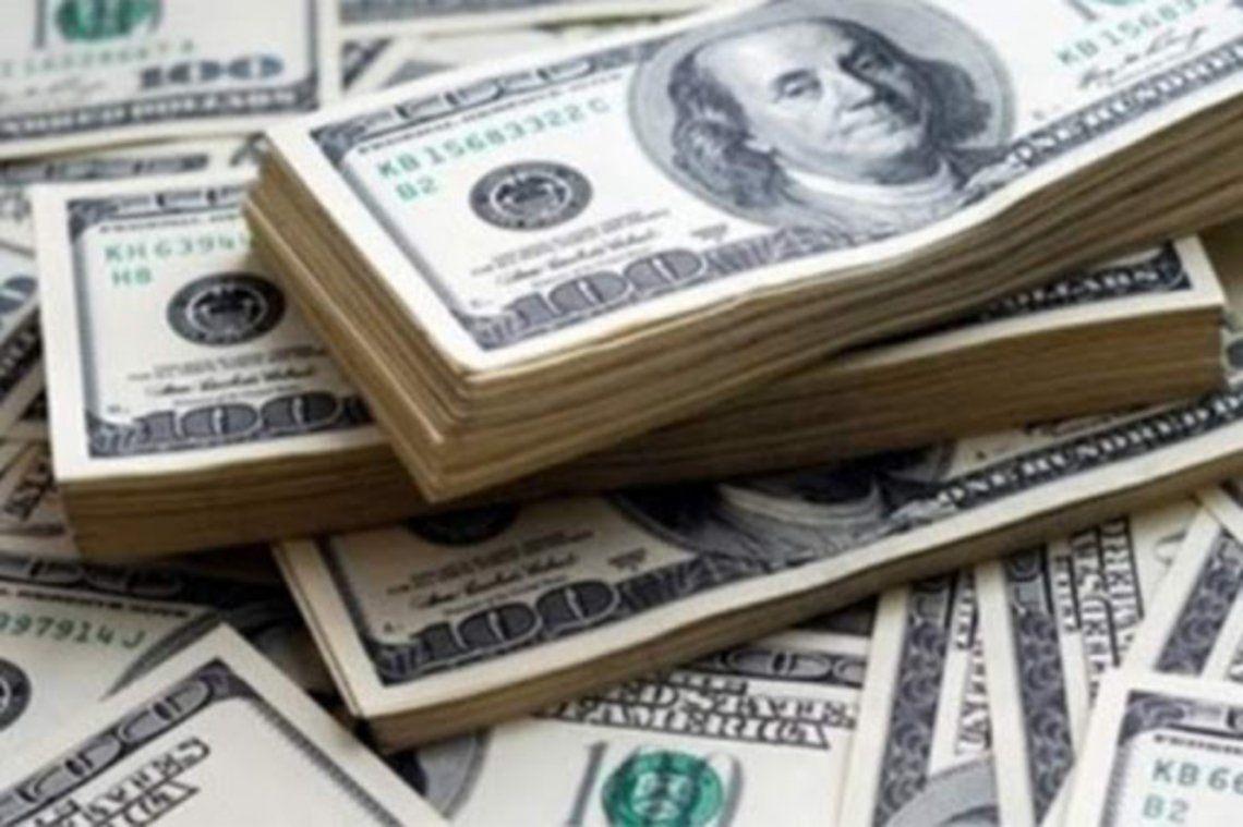 El dólar parelo bajó 10 pesos este lunes