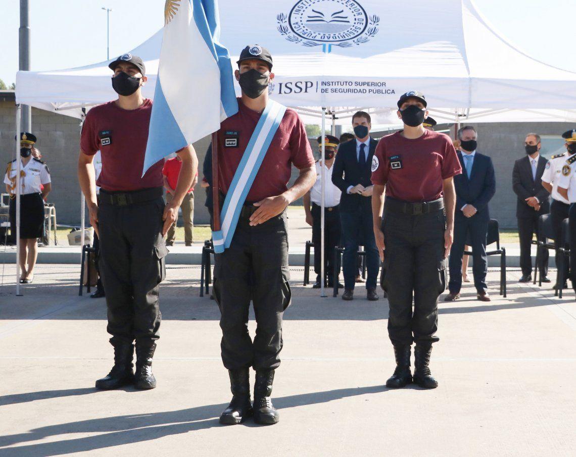 Policía de la Ciudad  cadetes juraron la Bandera Nacional