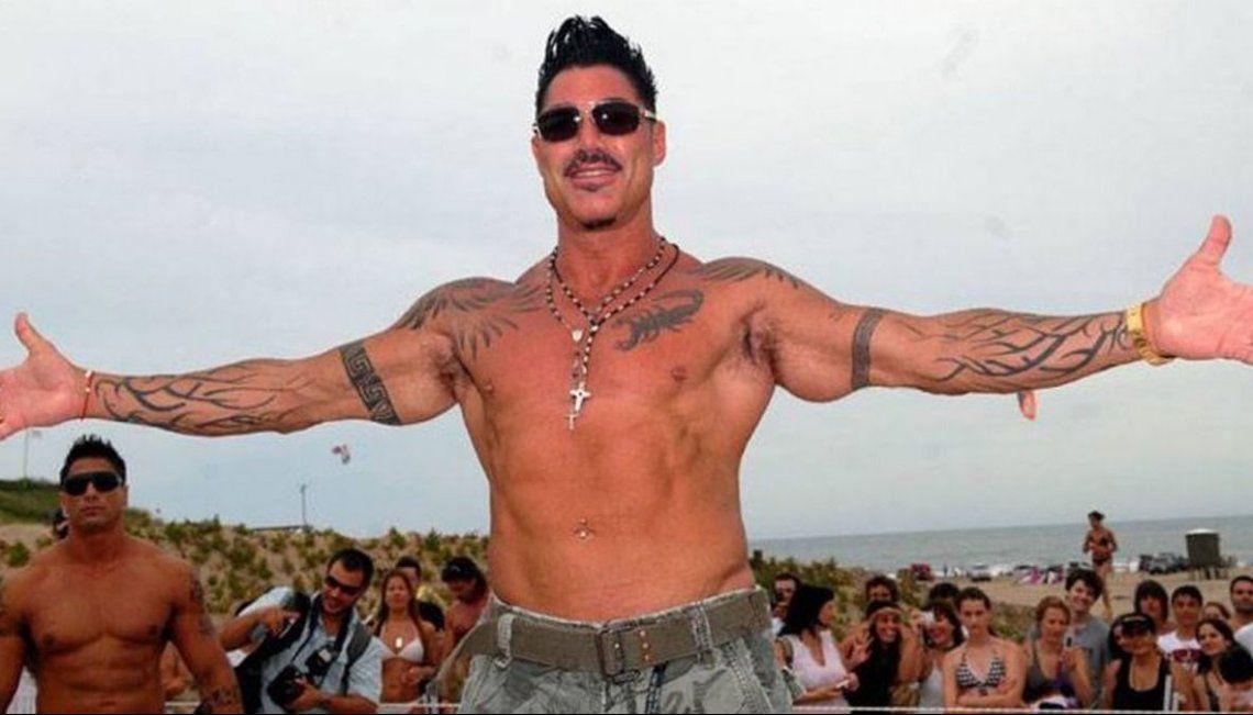 Ricardo Fort falleció de un paro cardíaco después de una masiva hemorragia en el estómago.