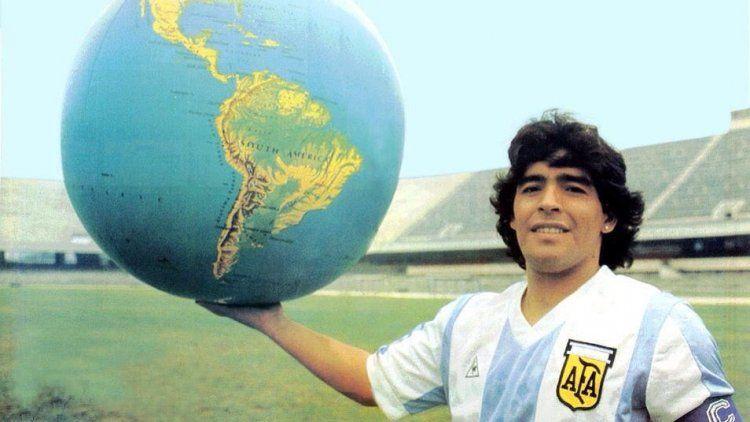 Un aluvión de tuits fueron emitidos sobre la muerte de Diego Maradona