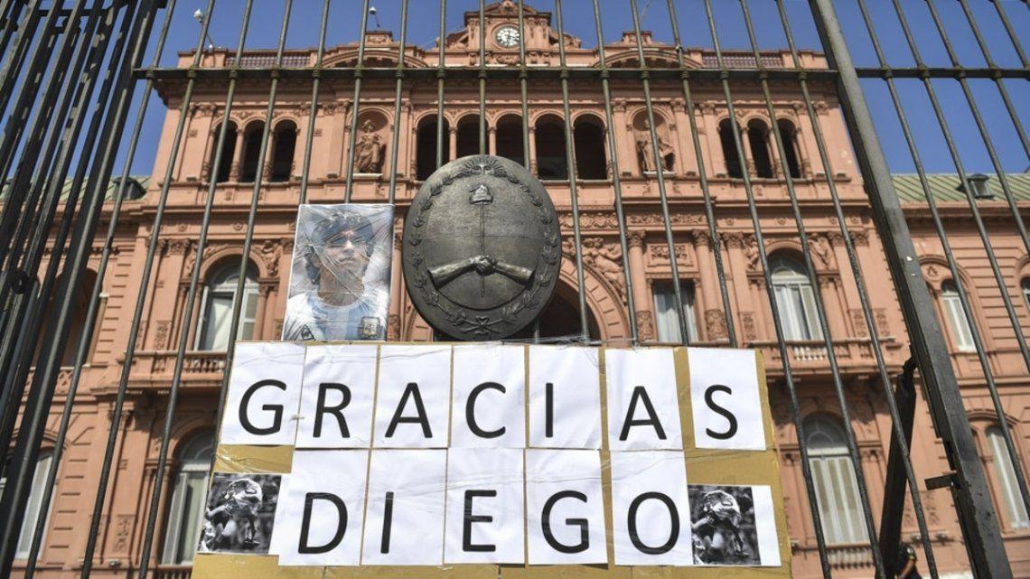 Se espera que pasen un millón de personas por el velatorio de Maradona