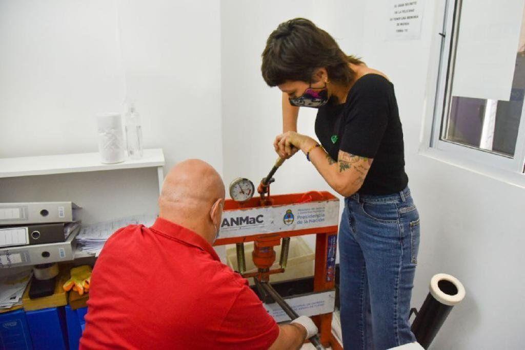Mayra Mendoza encabezó operativo de desarme voluntario