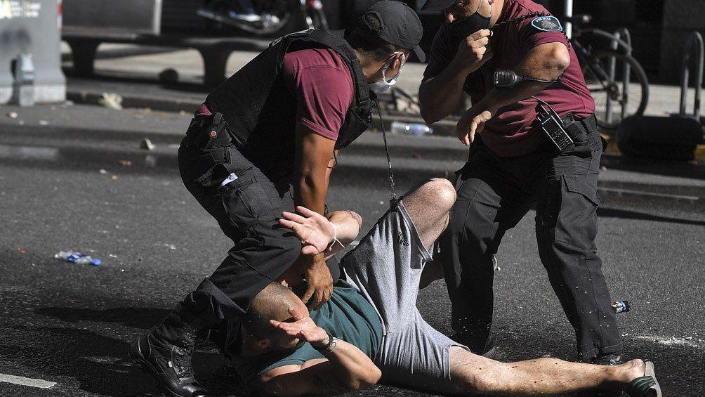 Velatorio de Maradona: represión de la Policía generó una denuncia de la Secretaría de DDHH