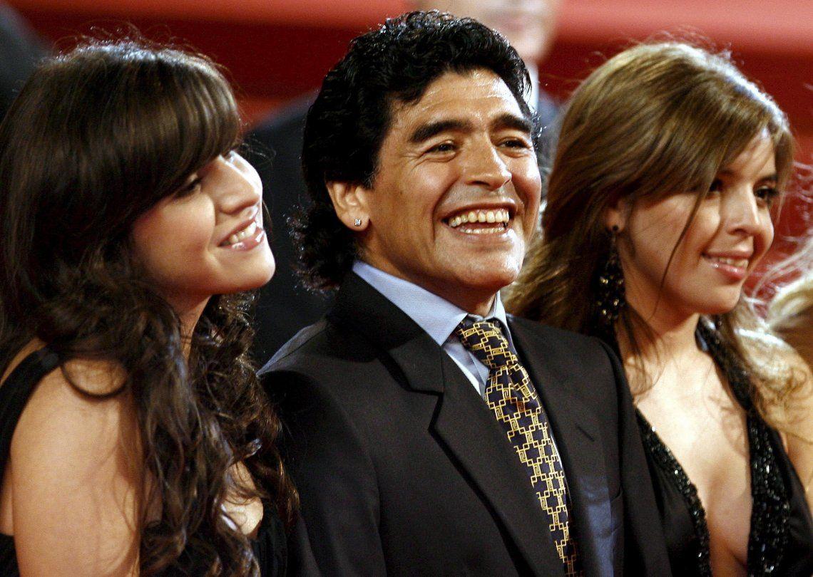 Gianinna y Dalma Maradona recordaron a su papá.