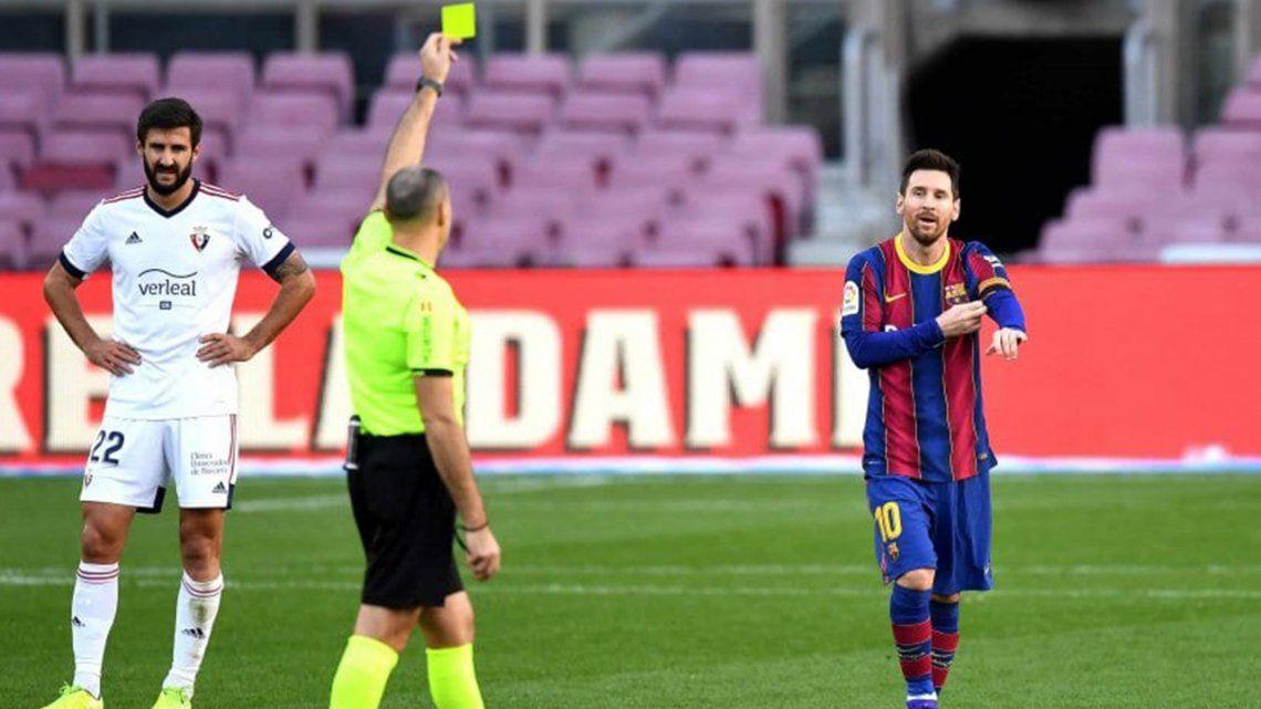 Messi homenajeó a Maradona y ahora Barcelona deberá pagar una multa.