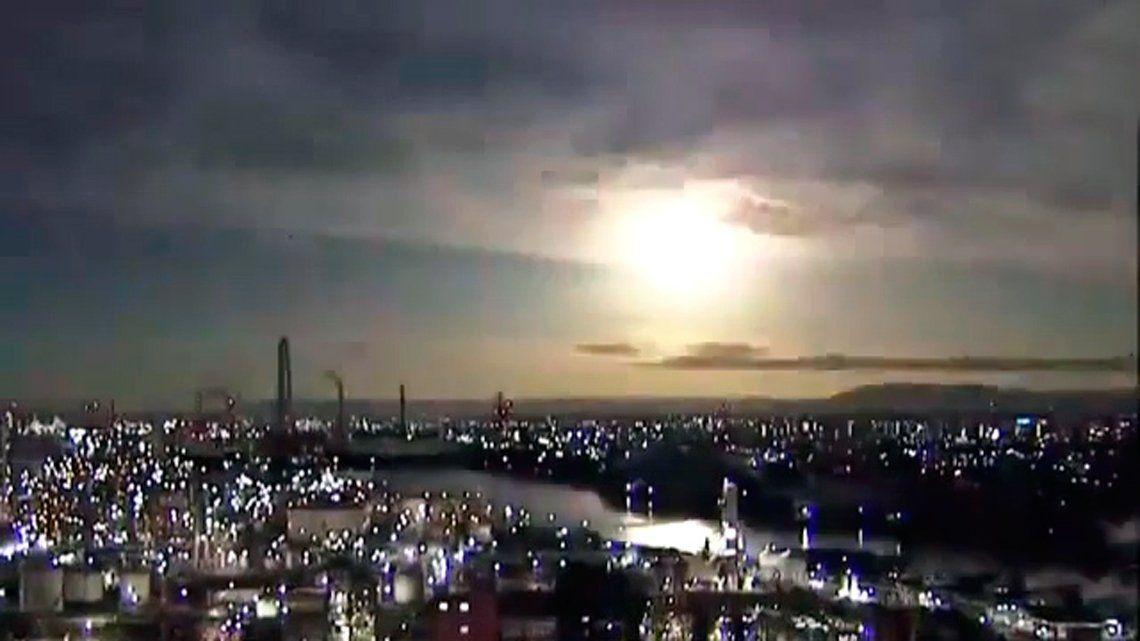 Japón: espectacular caída de un meteorito