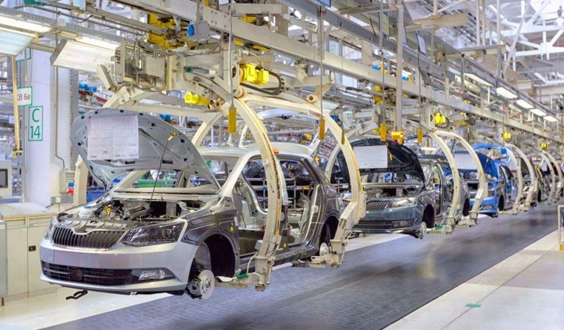 La producción de autos subió en noviembre
