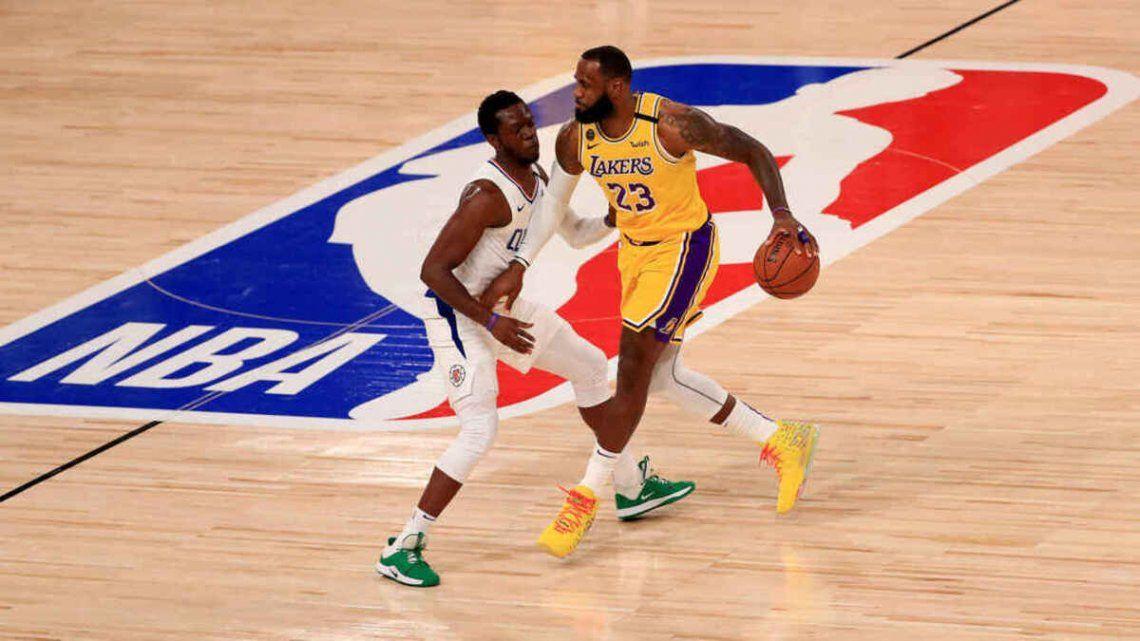 Varios casos positivos de coronavirus en la NBA en el regreso a los entrenamientos.