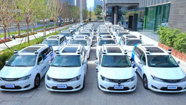 China: taxis robot.