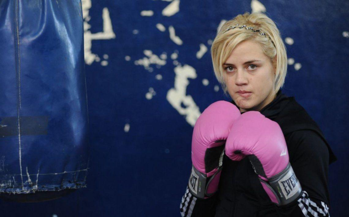 Boxeo: Bonita Bermúdez recuperó el título supergallo de la FIB