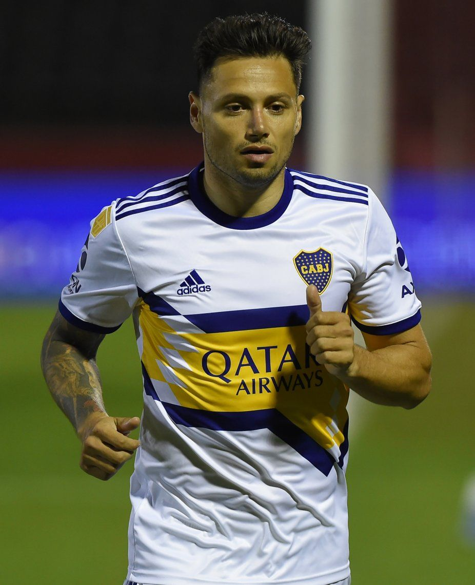 Mauro Zárate sería titular en Boca Juniors