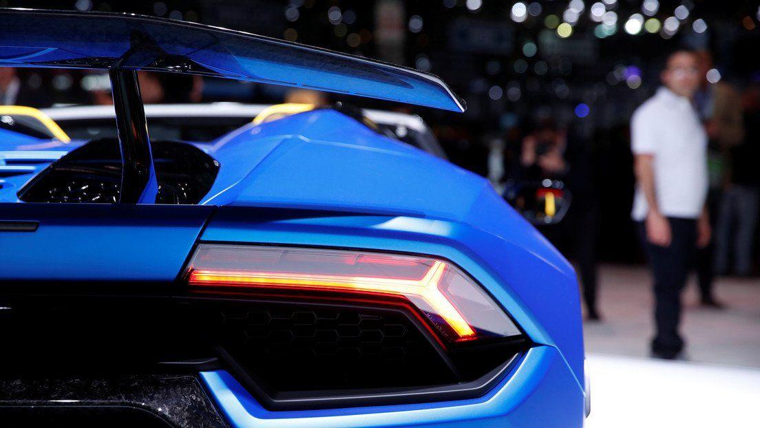 Nuevo Lamborghini fabricado en Italia. que acelera de 0 a 100 km/h en 3 segundos