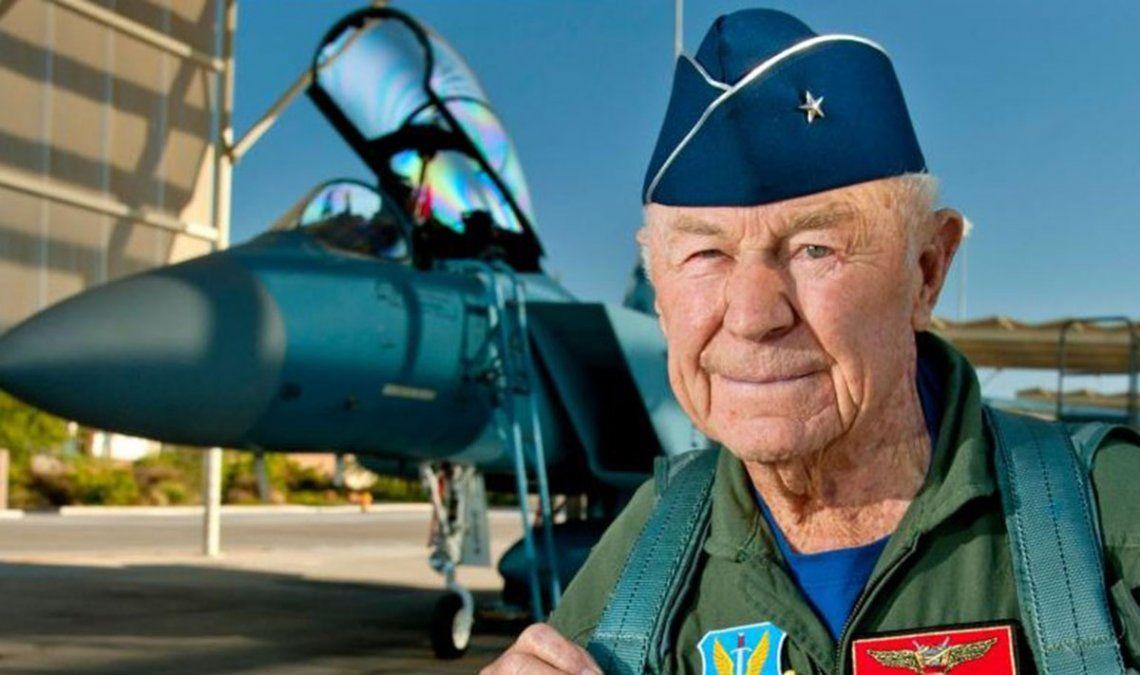 Su hazaña en 1947 lo convirtió en una leyenda de la aviación en Estados Unidos