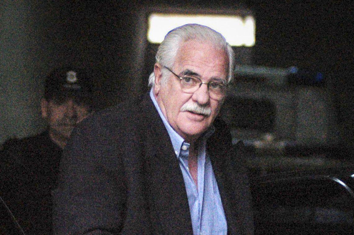 García Belsunce: Carlos Carrascosa