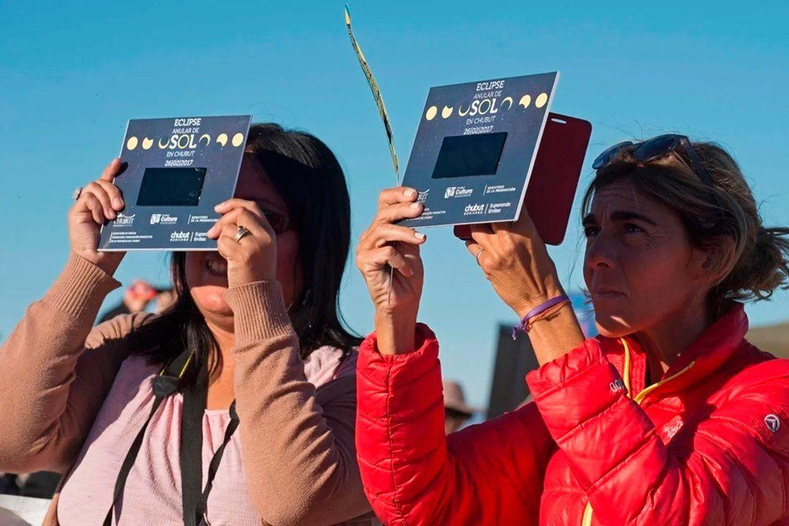 Neuquén y Río Negro podrán recibir turismo internacional para ver el ecplipse
