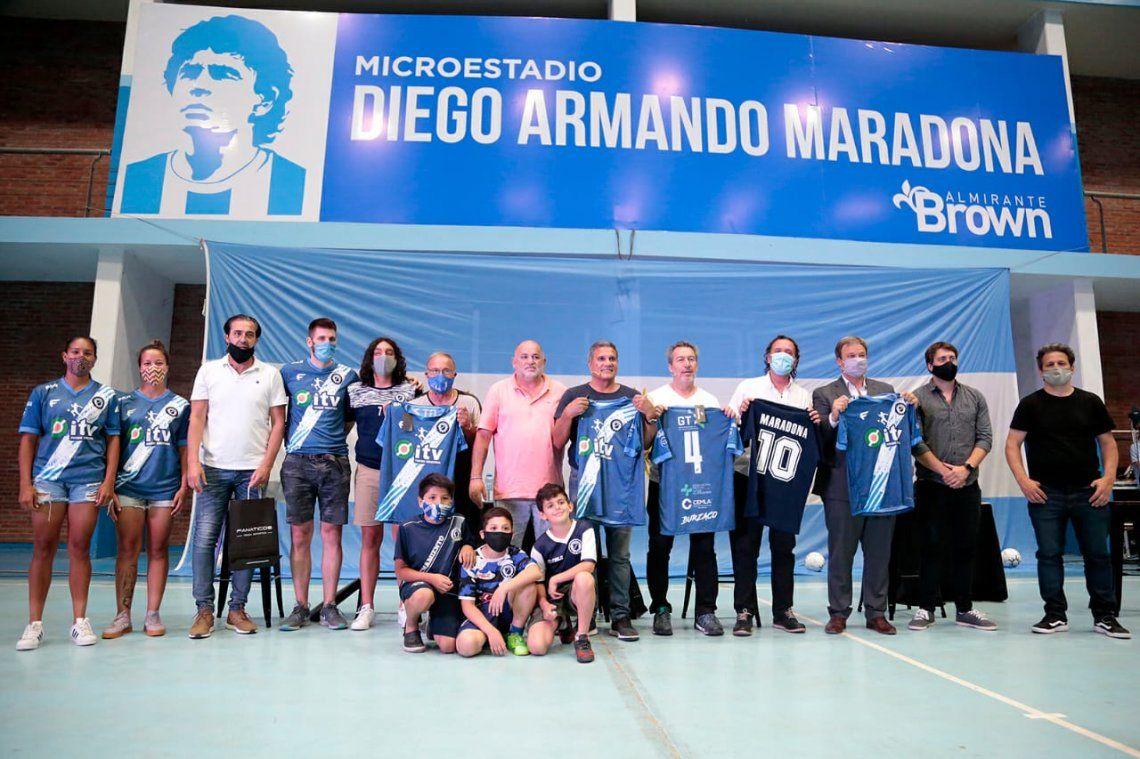Almirante Brown bautizó Diego Armando Maradona a su microestadio municipal