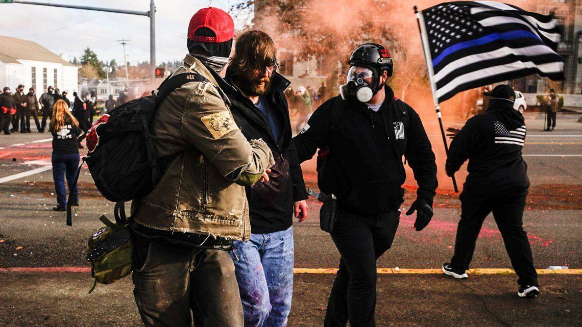 Estados Unidos: paramédicos atendieron a decenas de personas en la zona