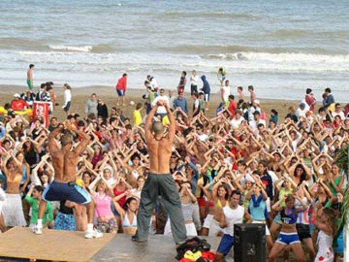 Las playas de Buenos Aires son escenario de grandes fiestas en verano. Será complicado controlar los protocolos