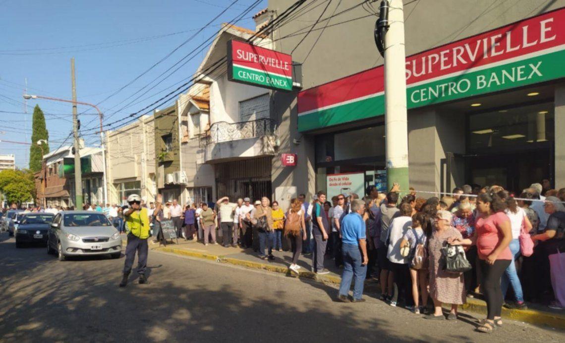 Banco Supervielle: trabajadores en sesión permanente