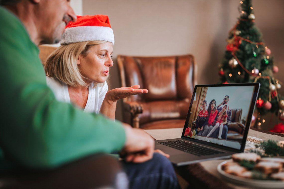 ¿Vas a pasar Navidad en casa? Así podés organizar reuniones a distancia