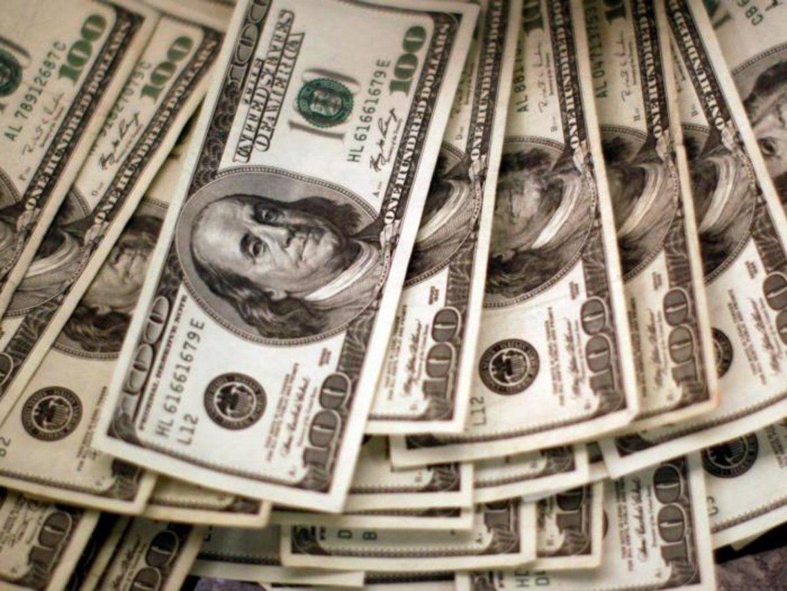 El dólar blue bajó un peso a $150