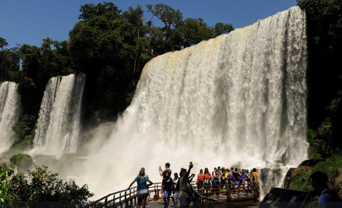 El Parque Nacional Iguazú permitirá el acceso a dos mil visitantes diarios.