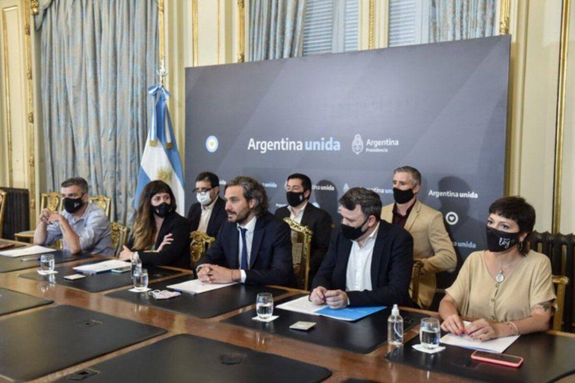 Santiago Cafiero junto a la secretaria de Innovación pública