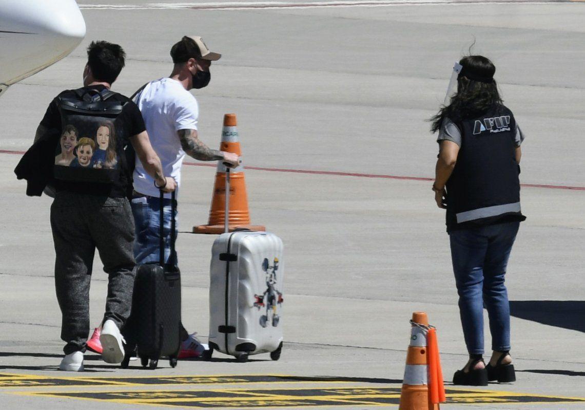 Messi salió del aeropuerto por un acceso secundario de la PSA