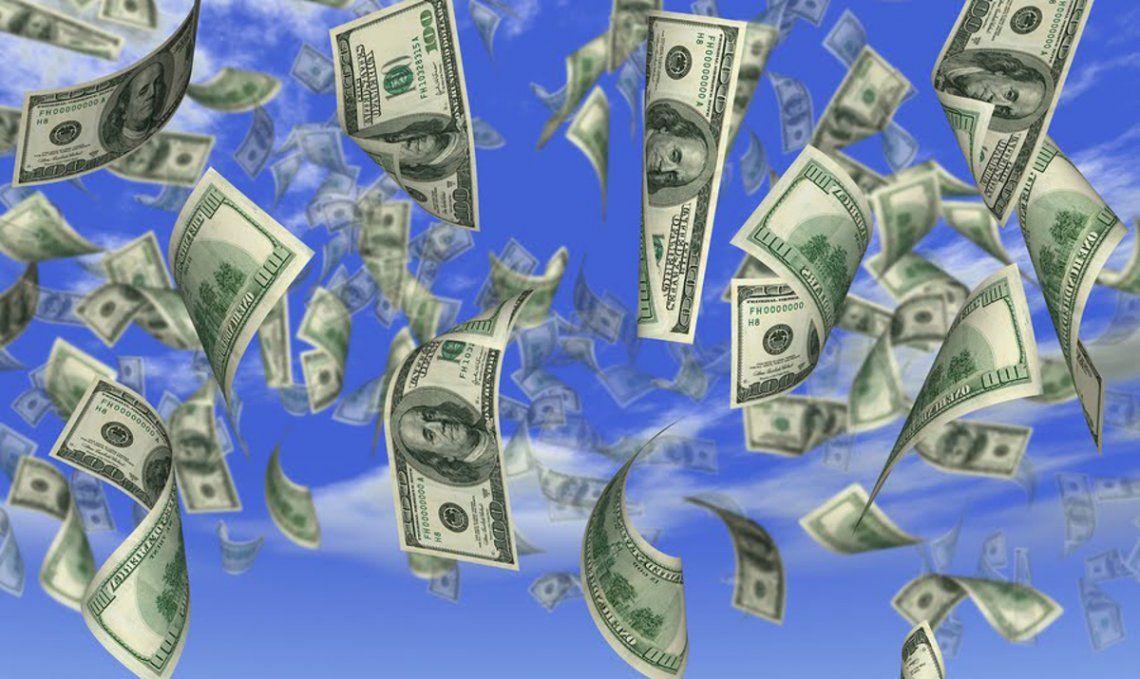 El dólar blue cerró el año a $166 con un aumento del 111