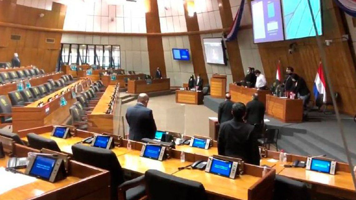 Paraguay: Diputados enojados por la aprobación de la ley.